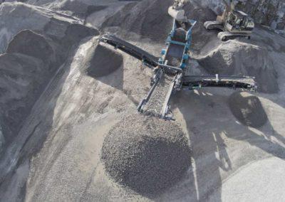 Precribadora para selección, clasificación o limpieza de materiales áridos y de minería