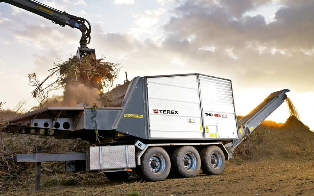 Nuestra maquinaria, apropiada para el triturado y tratamiento de materiales forestales.